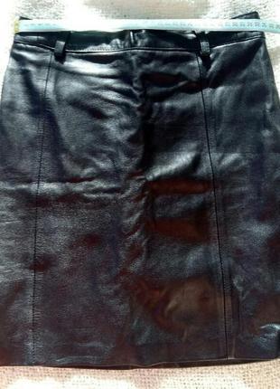 Черная кожанная юбка мини