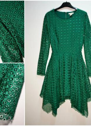 Оригинальное зеленое кружевное платье с асимметрией по низу