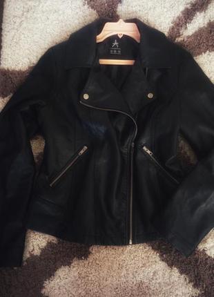 Новая чёрная курточка-косуха2