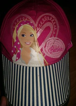 Яркая летняя кепка barbie