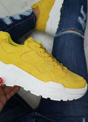 Тренд 2019! гірчичні кросівки!
