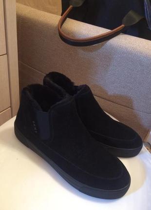 Новые зимние ботинки кеды с прорезиненной подошвой dkny, 39, по стельке 26 см