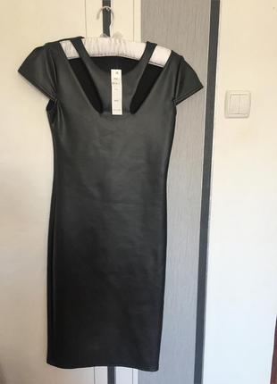 Фирменное кожаное платье-карандаш