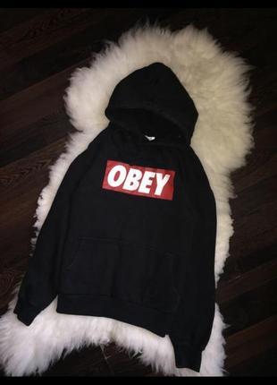 Чёрное худи на флисе с карманами obey