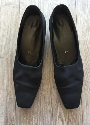 Чёрные классические {офисные, деловые} туфли, högl 5 1/2 {39}, каблук 3 см
