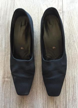 Туфли högl, чёрные, размер 5 1/2 {39}, классические {офисные, деловые}, каблук 3 см