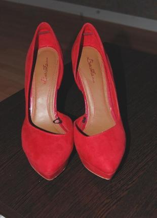 Красные туфли bershka очень дешево!!!