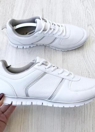 Кросівки f&f