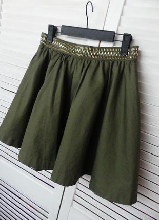 Красивая юбка с карманами и декором divided by h&m (s/m см.замеры)