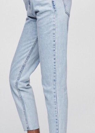 Крутые джинсы мом на высокой посадке хс