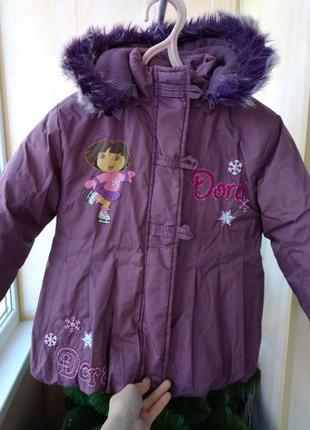 Демисезонная зимняя удлиненная фиолетовая куртка для девочки 5 лет dora