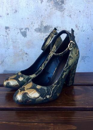 Необыкновенно красивые, стильные туфли marks& spencer