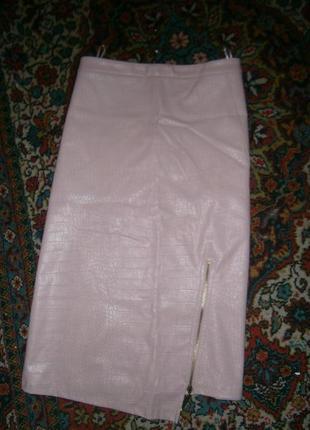 Шикарная фирменная  юбка из экокожи