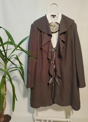 Шерстяное оригинальное пальто с воланами большой размер 4xl