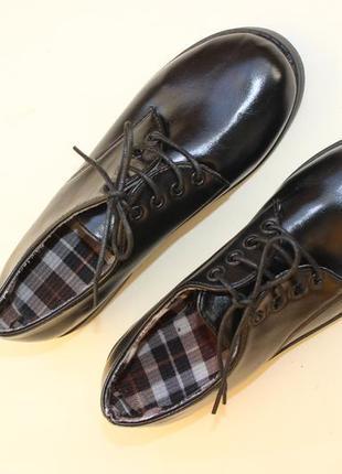 Стильные ботинки из мягкой екокожи в новом состоянии