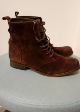 Замшевые ботинки. pieces
