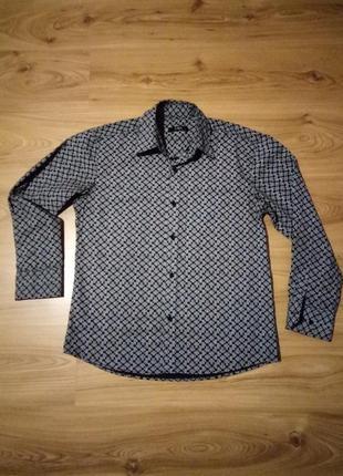 Крассическая рубашка с принтом. l