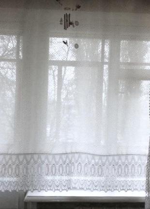 Белая полупрозрачная штора. шторы. шторка. портьера. портьеры. гардина. занавеска.