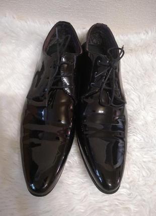 Лакированные туфли от cedarwood state