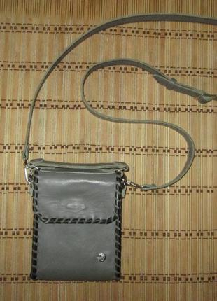 Кожаная сумочка для телефона и не только. ручная работа.