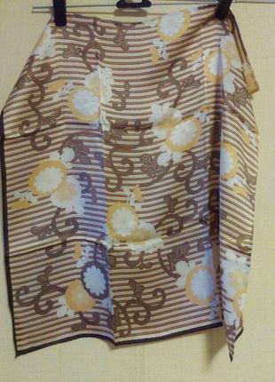 Шелковый платок в цветы
