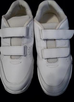Фирменные кожанные кроссовки на липучках