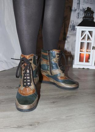 Кожаные модные ботинки на танкетке от vera pelle оригинал {41 размер}