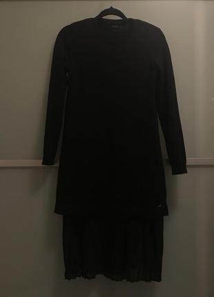 b96006991b9 ... Черное платье свитер с плиссированной вставкой   mohito5 фото