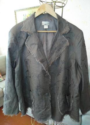 Легкий  пиджак с вышивкой 100% лен