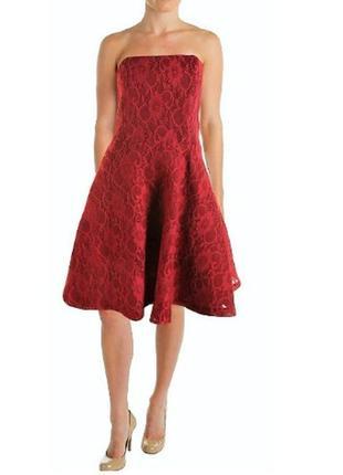 Платье а-силуэт (кружевной неопрен) с открытыми плечами  и широкой юбкой (42-46р)