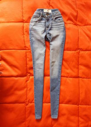 Качественные зауженные джинсы от hollister