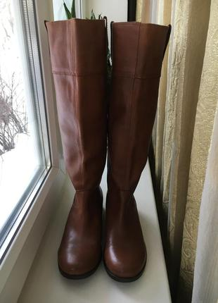 Кожаные осень весна  высокие сапоги на низком широком каблуке new look