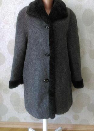 Обалденное двухстороннее  шерстяное пальто  плюшевая  шуба  две вещи по цене одной