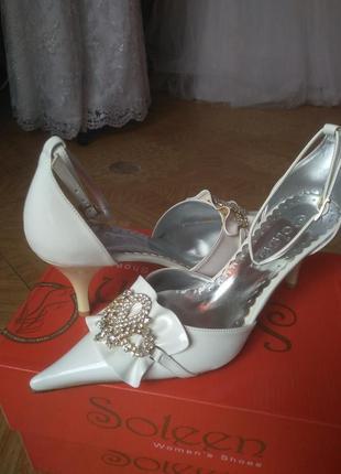 Свадебные туфли. распродажа