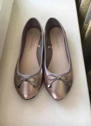 Симпатичные лёгкие туфельки балетки на низком каблуке primark
