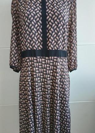 Красивое и нарядное платье marks&spenser с принтом красивых птичек