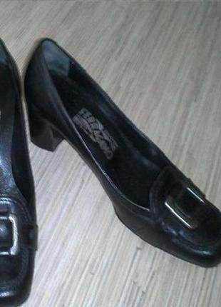 Деловые туфли salvatore ferragamo (оригинал), р. 36