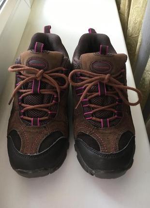 Коричневые тёплые водонепроницаемые кроссовки  на толстой подошве