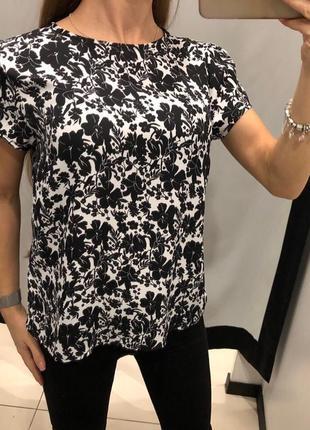 Блуза в цветах mohito есть размеры
