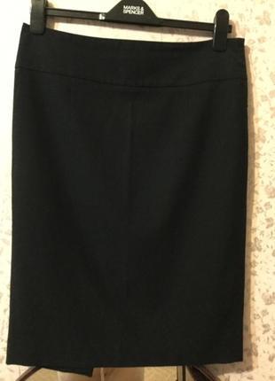 Чёрная юбка классического покроя.  размер 36-38
