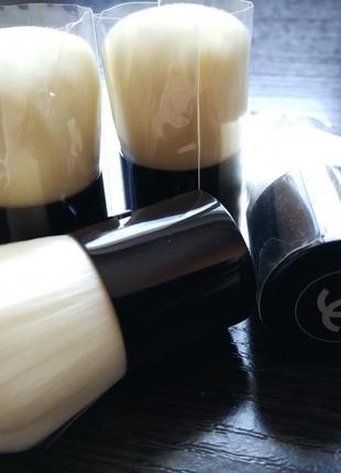 Кисть для пудры chanel les beiges kabuki blush (тестер)