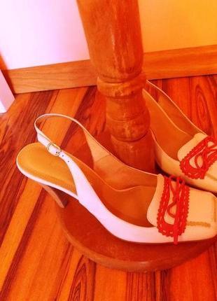 """Очень нежные туфельки """"antonio biaggi"""" молочного цвета с отделкой  38/38,5"""