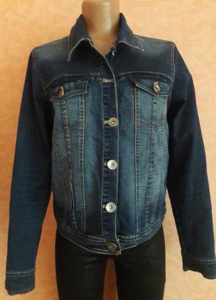 Трендовая джинсовая курточка