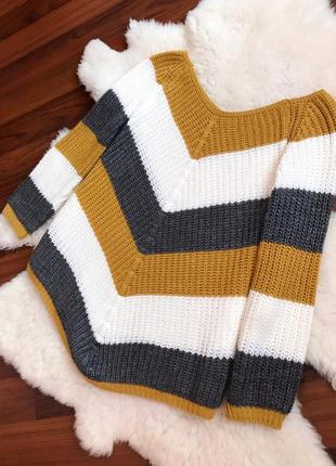 Шикарная вязаная кофта , свитер