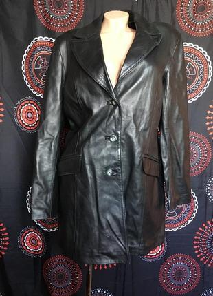 Длинная кожаная мягкая куртка пальто на пуговицы
