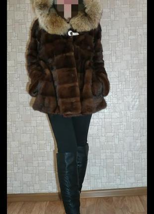 Поперчная норковая шуба размер s с капюшоном saga furs