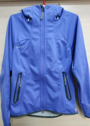 Спортивная фирменная куртка от mammut