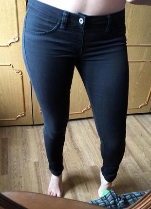 Стильные джинсы-скини,размер s