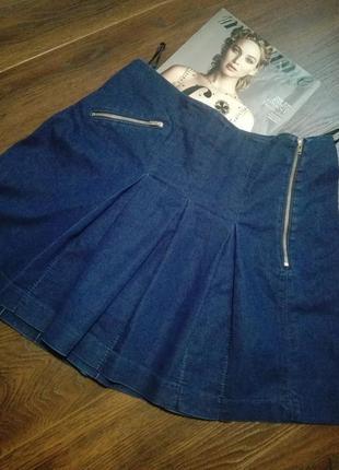 Отличная юбка трапеция мини джинсовая молодежная с качественной фурнитурой next