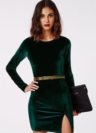 Платье бархат зеленое изумруд с разрезом